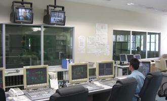 発電所中央監視室画像